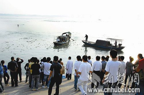 post-90s-gen-students-died-saving-others-in-hubei-07